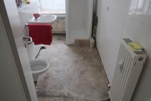 Komplettsanierung Bad nach Wasserschaden