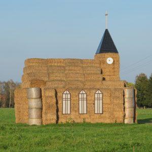 passivhaus-kirche-aus-stroh